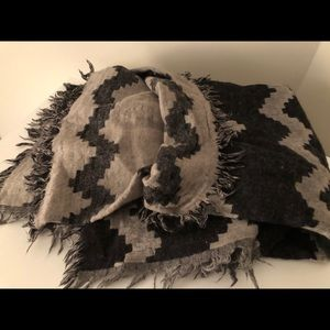 Aritzia Accessories - Wilfred Diamond Mosaic Blanket Scarf